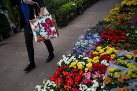 flower shop what a small milwaukee flower shop teaches us about trade and