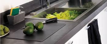 restaurer plan de travail cuisine comment rénover un plan de travail avec du béton ciré ou de la résine