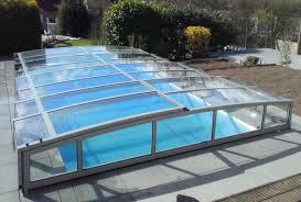 amenagement exterieur piscine abris juralu terrasse piscine spa voiture i véranda coulissante