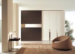 armadi di design armadio design ante scorrevoli ante battenti camere moderne