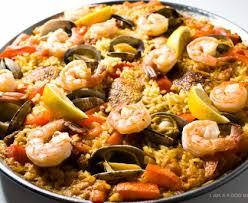 cuisiner une paella vraie paëlla espagnole recette de vraie paëlla espagnole marmiton