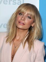 layered hairstyles with bangs and tuck behind the ears medium blonde hairstyles with bangs beauty riot
