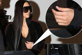 Kim Kardashian Wedding Ring by Kim Kardashian Replaces Stolen 4 Million Diamond Engagement Ring