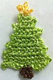 raffia christmas tree ornament u2013 free crochet pattern
