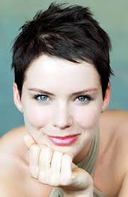 pixie haircut for strong faces top 34 best short hairstyles with bangs for round faces