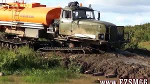 monster trucks in mud videos big monster trucks mudding big trucks mudding in deep mud