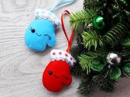 felt christmas mittens felt wall hanging feltchristmas