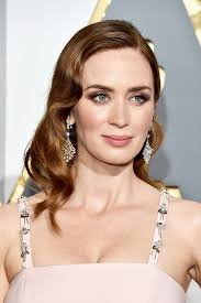 emily blunt image from glamour