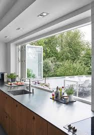 hauteur fenetre cuisine cuisine hauteur fenêtre cuisine cuisine design et décoration