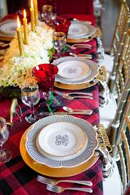 monogrammed dishes christmas tablescape with nicholas 24 karakt gold