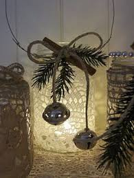 Christmas Decorations For A Window Sill by Tips On Decorating Window Sills For The Holidays Window Sill