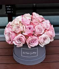 roses in a box secret garden light pink roses in a signature grey box la