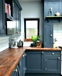 peindre des armoires de cuisine en bois meuble de cuisine a peindre peinture cuisine patine jaune orange