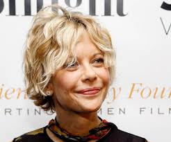 meg ryans hairstyle inthe movie youv got mail 30 drool worthy meg ryan hairstyles slodive