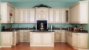 How To Antique Paint Kitchen Cabinets Cream Kitchen Cabinets Like The Wall Paint With Floor Color