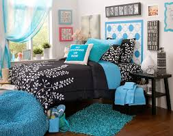 White And Sky Blue Bedroom Blue Black And White Leaves Pattern Bedding With Rectangle Sky