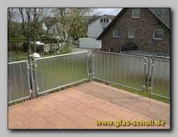 balkon sichtschutz aus glas brüstungen balkongeländer als absturzsicherung oder sichtschutz