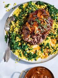 cuisiner le couscous agneau braisé au nectar d abricot et couscous israélien ricardo