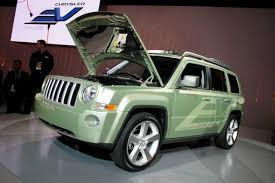 2009 detroit jeep patriot ev photo gallery autoblog
