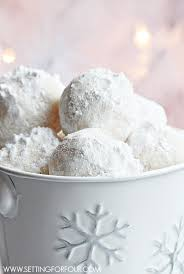 snowball cookies setting for four