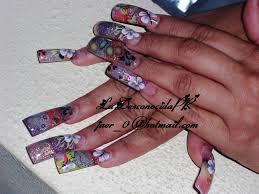saludos a todas las q me conocen es mas facil nail art