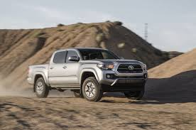 toyota tacoma reviews 2016 toyota tacoma reviews and rating motor trend