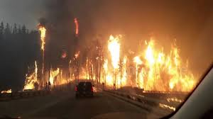 Canada Wildfire App by Wildfire Forces Residents To Evacuate Fort Mcmurray Canada Youtube