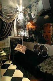 Marilyn Monroe Themed Bedroom by Damn The Way That Dress Looks On Her Lol Love Her Body Now