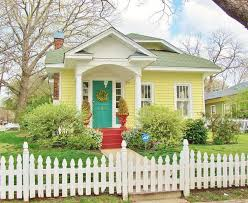 Cottage Style House Best 20 Yellow Cottage Ideas On Pinterest Cottages Tiny