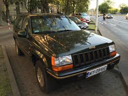 green jeep grand cherokee file jeep grand cherokee limited zj green european specs in warsaw