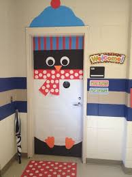 Christmas Decoration For Kindergarten Class by Cute Penguin Door For A Classroom Via Http Fb Com Pinwoot