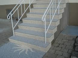 bodenbelag treppe treppen steindesign kieselbeschichtung steinteppich