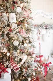 Christmas Tree To Decorate Classic Christmas Tree Decor Just Destiny