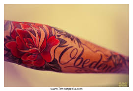 name tattoos with roses 3