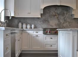 grey marble staggered kitchen backsplash design ideas