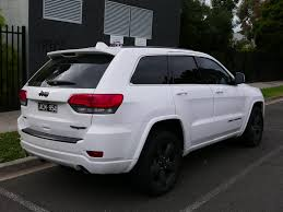 jeep cherokee white with black rims file 2014 jeep grand cherokee wk2 my14 blackhawk 3 6 4wd wagon
