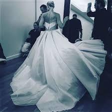 glowing dress turns claire danes cinderella met gala