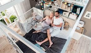chambre bébé écologique lit en bois écologique blanc avec barreaux amovibles chambre bébé