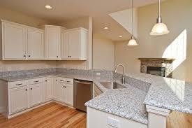 petit ilot cuisine cuisine petit ilot central cuisine avec blanc couleur petit ilot