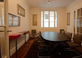 bureau avocat console design personnalisée cabinet d avocat par les pieds sur