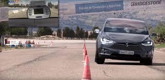 Tesla Minivan Tesla Model X And U0027moose Test U0027 Don U0027t Make Such A Great Combination