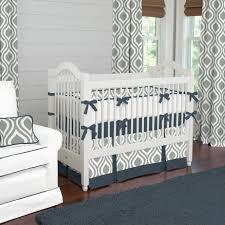 chambre bebe gris blanc décoration chambre d enfant grise