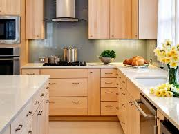what color countertops go with maple cabinets 62 best kitchen images on pinterest kitchen ideas country