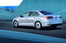 volkswagen jetta ads vw introduces new jetta hybrid with 170 horses and 45mpg combined