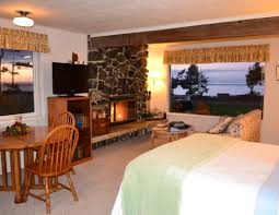 Bed In Living Room Suites In The Main Beach House U2013 Juan De Fuca Cottages