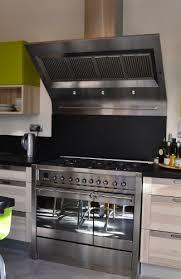 cuisine avec piano cuisiniste avignon cuisine equipee avec piano de cuisson maison