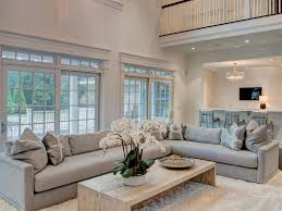 decorating large walls with high ceilings great creative ideas