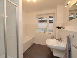 Kleines Bad Einrichten Uncategorized Ehrfürchtiges Badezimmergestaltung Mit Dusche