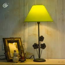 Wohnzimmer Tisch Lampe Bunte Led Tischlampe Stoff Lampenschirm Schwarz Eisenbasis