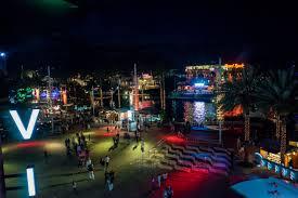 universal studios halloween horror nights aaa discount awesome date night ideas at universal orlando citywalk